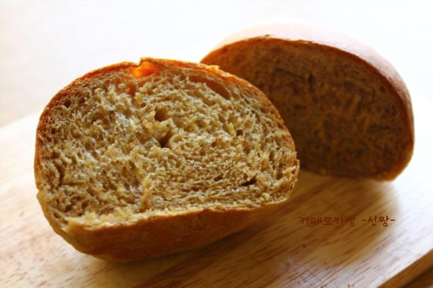 """쌉싸름한 커피맛의 어른들을 위한 빵 """"카페모카빵"""""""