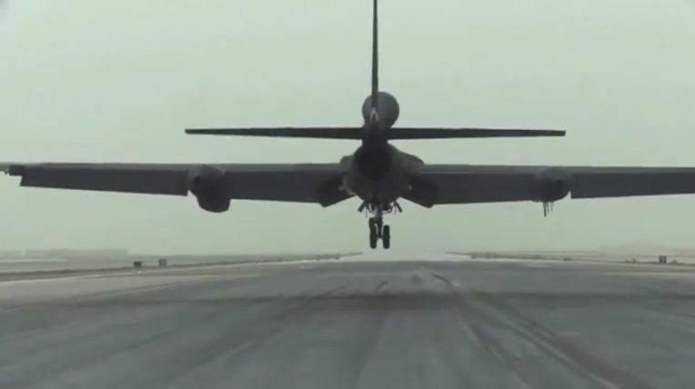 미 공군 U-2 정찰기의 7만 피트 상승후 기지 귀환  USAF U-2 Spy plane take-off to 70,000 ft then back to Air Base